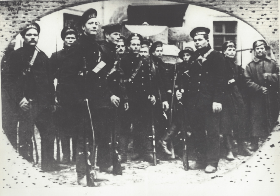 3. Sailors preparing to Kerensky's counterattack 1917